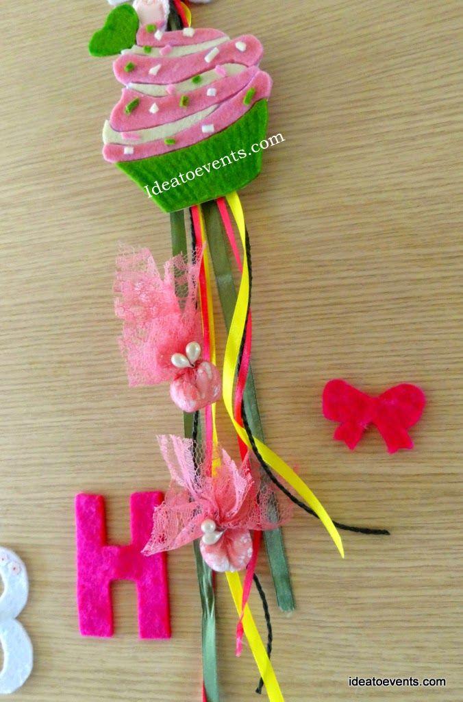 Handmade Christening  felt favor with ribbons and lace, theme ''cupcakes'' Code N°MB0116. Με παιχνιδιάρικη αλλά και ρομαντική διάθεση ετοιμάσαμε την χειροποίητη μπομπονιέρα με θέμα τα  ΄΄cupcakes'' για την βάπτιση της μικρής Αλίκης.