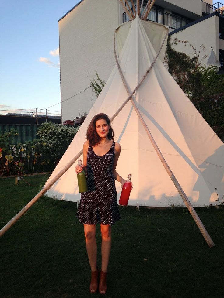 Trash is for Tossers: blog of Lauren Singer who lives a zero waste life in New York City.
