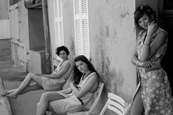 Alain Daussin-Trois filles à st tropez. Chez getty