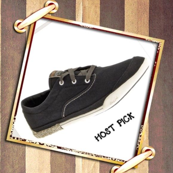 """💃🏻💃🏻HOST PICK💃🏻💃🏻 Tennis Shoes.... Black Cushe """"ROPEWALK"""". SHOE NEW WITH  BOX ... BOUGHT AN THEY ARE A TAD TOO SMALL 😞 MY LOSS YOUR GAIN . Super Cute!!!! I WEAR A 11 , THEY WERE SHORT ON ME , SO I THINK THEY RUN A LITTLE SMALL , MORE LIKE A 10 1/2.....Best in Shoes & Boots 1-6=2016. A-1 Cushe Shoes Athletic Shoes"""