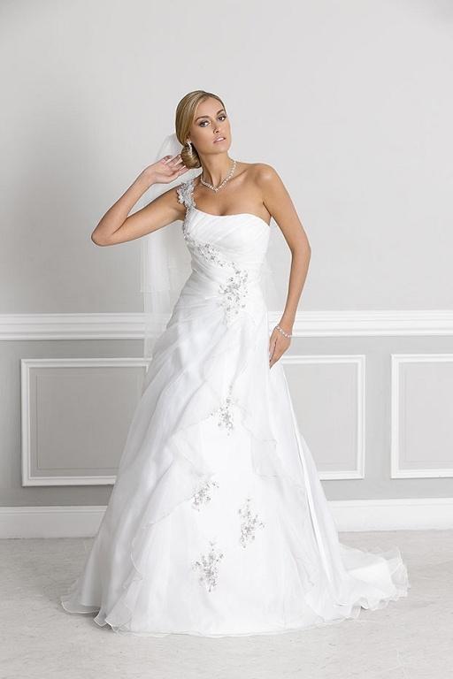Bruidsjurken, trouwjurken, bruidsmode van Ladybird 32031