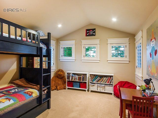 A Perfect Kids Bedroom It 39 S Bright Spacious And Cute
