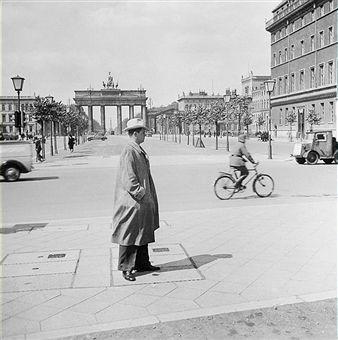 Berlin 1942 Pariserplatz und Brandenburger Tor