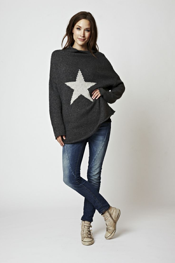 Perfectly fitted sweater, in wool - stay casual and be your won star!