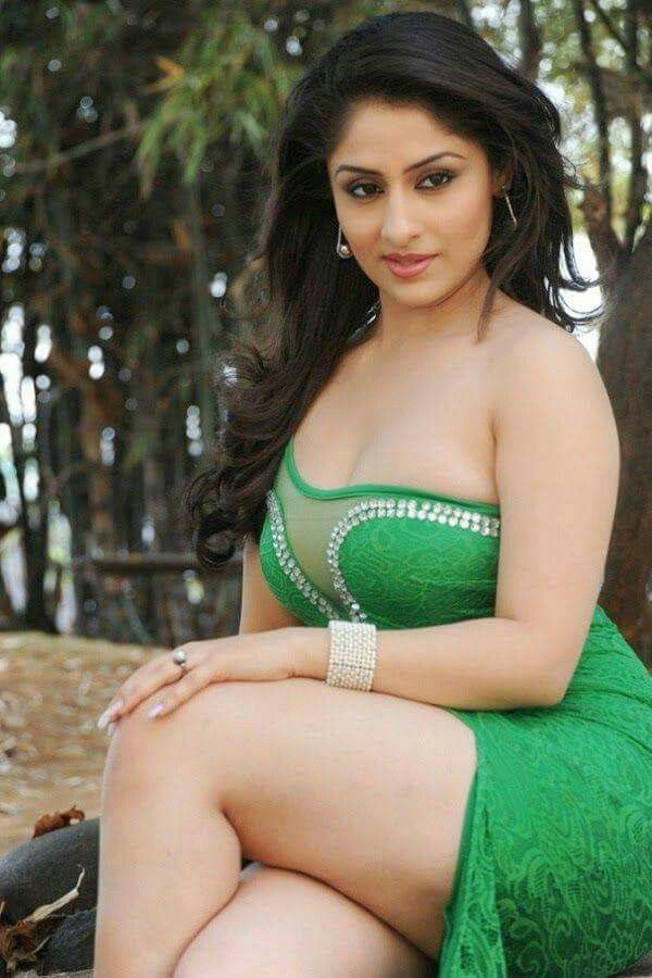 tamil actress big thighs boobs nude