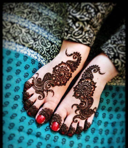 Beautifull simple and easy mehndi Designs. For party dresses , casual dresses visit www.PakRobe.com