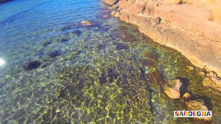 Spiagge del sud Sardegna: Cala Domestica  L'insenatura di Cala Domestica, nel comune di #Buggerru (CI) è una delle più belle della costa sud occidentale della #Sardegna. È circondata da falesie di calcare e da un #mare smeraldo. Attorno alla #spiaggia si possono ammirare dune e macchia mediterranea.  #sardinia #beach #sea