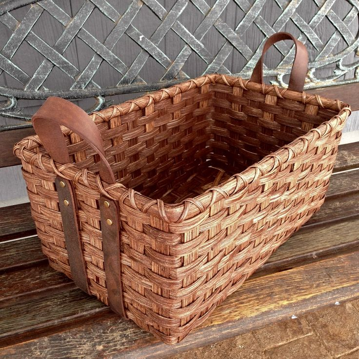 *Leather Handled Storage Basket - Feb 2016 free pattern from Joanna's Collections