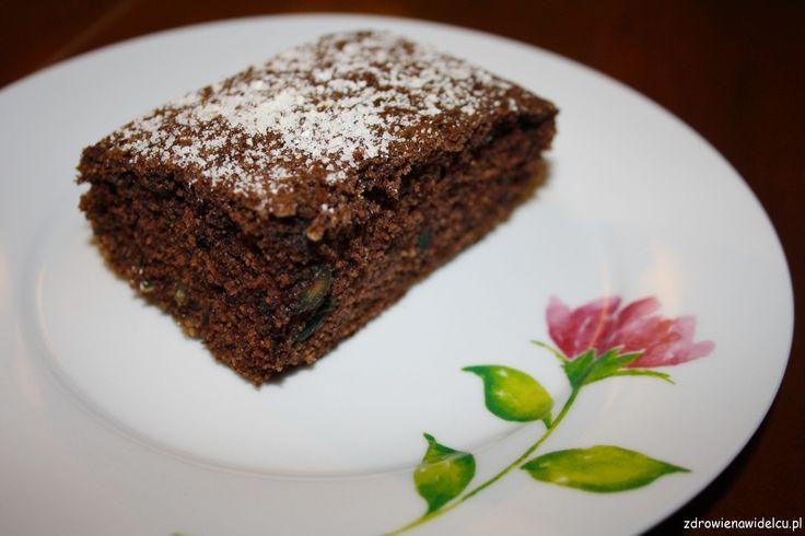 Bezglutenowe jaglane ciasto czekoladowe z cukinią