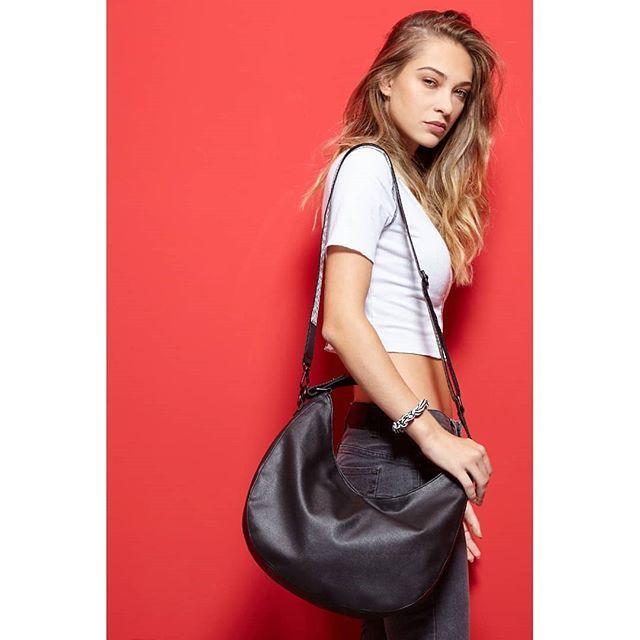 f1bd38cb16f74 Hobo Bag - FRIDA - vegan bag made of appleskin - apple leather - vegan -  sustainable - fair fashion - nuuwai
