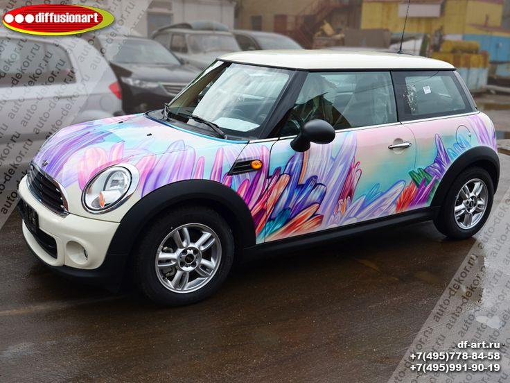 Аэрография автомобиля Mini Cooper по эскизам студии Киры Пластининой