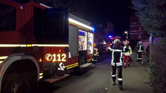 nice FW-GE: Ausgelöste Heimrauchmelder verhindern größeren Schaden in Gelsenkirchen Buer. / Angebranntes Essen sorgt für Feuerwehreinsatz am Silvestermorgen.