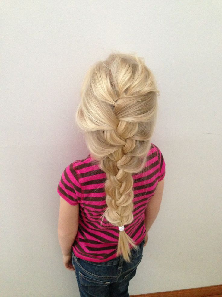 "This also looks so much like Elsa's hair in ""Frozen""!"