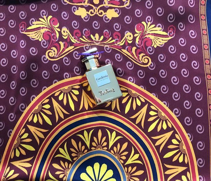 The ultimate gift for every woman 💃🏻 #gardenia #isabey #nicheperfume #panouge #perfume #silkscarf #silk #scarf #greek #design #greekdesign #kalfas 📍#rosinaperfumery #giannitsopoulou6 #glyfada #athens #greece #shoppingonline : www.rosinaperfumery.com 💛
