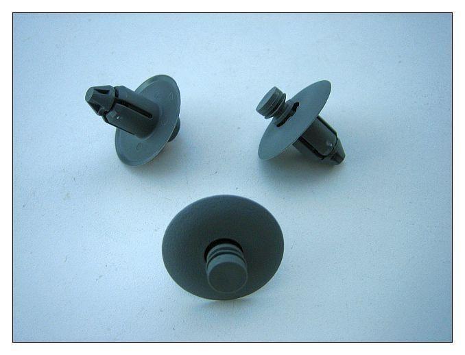 CHRYSLER 300 DODGE CHARGER MAGNUM DOOR TRIM PANEL PUSH PIN CLIP RETAINER 4 MOPAR