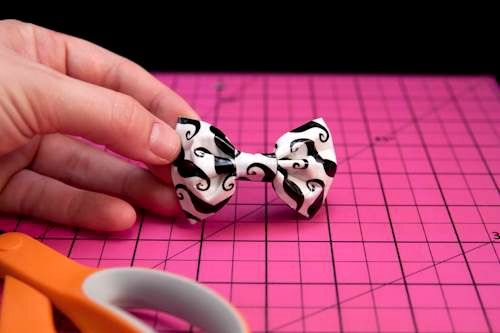 Duct Tape Bow Tutorial - Duct Tape Day for Red Ribbon Week