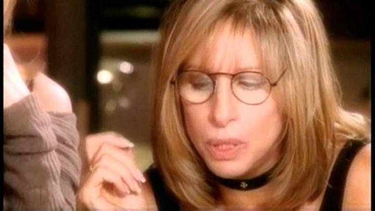 おはようございます。 今日4/24はバーブラ・ストライサンドの誕生日。 今朝の一曲は「愛を伝えて~Tell Him」、バーブラ・ストライサンドとセリーヌ・ディオンの豪華デュエット。二人とも素晴らしい歌唱力です。 1997年のアカデミー賞の授賞式でセリーヌは、自分の歌に加えてバーブラの歌も急な代役で歌いました。それに感謝すると同時に、セリーヌの歌唱に感じ入ったバーブラからの提案で、二人のデュエットが生まれたのだそうです。