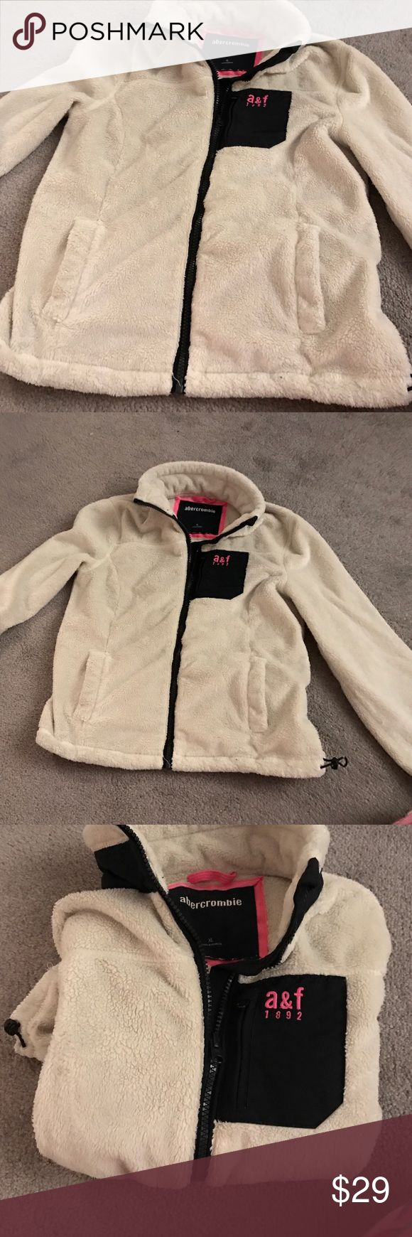 Abercrombie girls XL fleece Cream fleece from Abercrombie kids girls size xlarge great condition. Abercrombie & Fitch Jackets & Coats