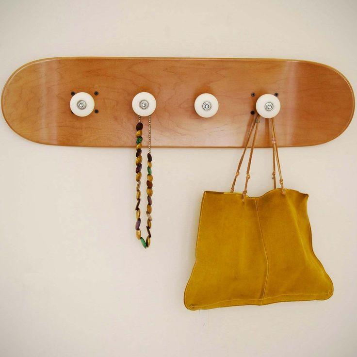1000 id es propos de conception de planche roulettes sur pinterest art - Porte manteau a roulette ...