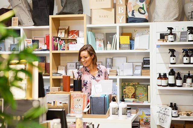 WEBSTA @ seriously_milestones - Nothing like a stroll through the shops on a Saturday, especially amazing gems like @organisemy who stock so many amazing finds. ...Love this photo of @iheartbargains shopping here last week, perfect as always @leahladsonphotography x