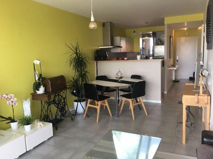 44000 - 60m²: A louer, à Nantes, au 5ème et dernier étage d'une RÉSIDENCE NEUVE, un appartement T3 avec balcon, comprenant une entrée, un séjour ouvert ...
