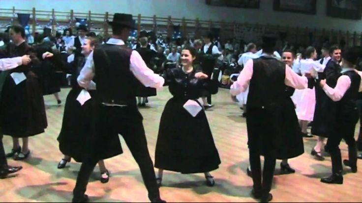 2011 13 Jahre Saarer Tanzgruppe 1  Gruppe  Branauer Tänze