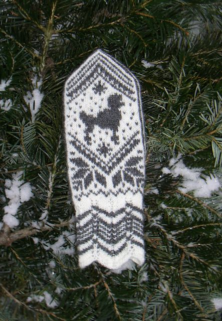 Ravelry: Selbu Poodle Mittens pattern by Wenche Roald