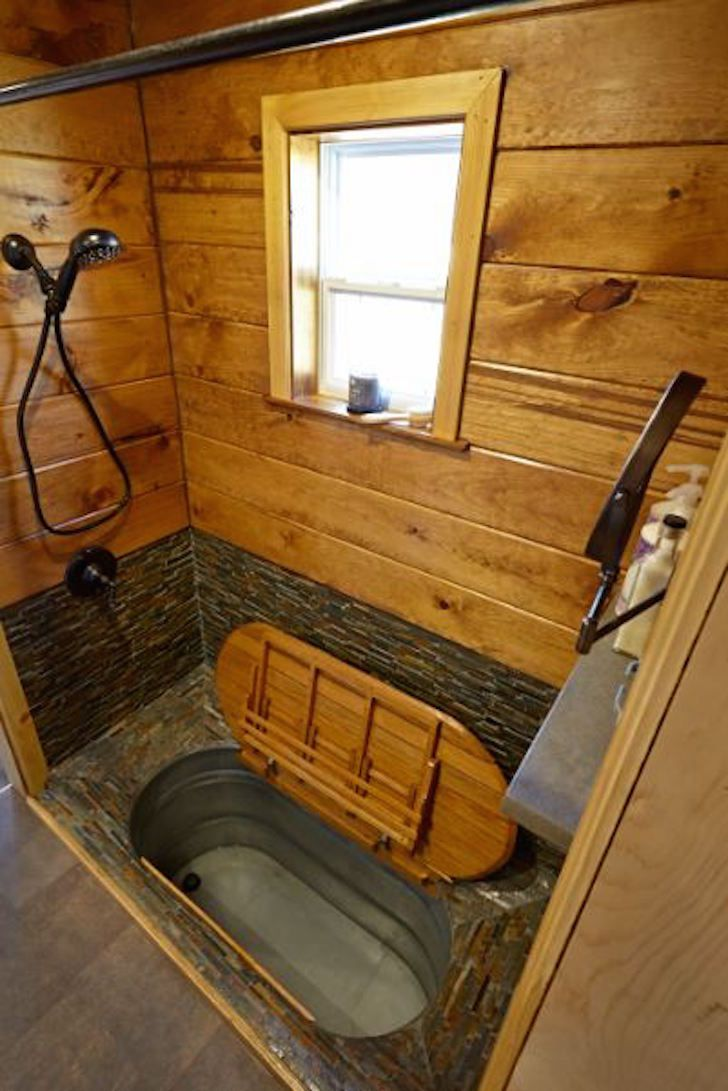 Gooseneck Trailers Afford Easy Pull Mechanics And Lots Of Floor Space See This Model Tiny House