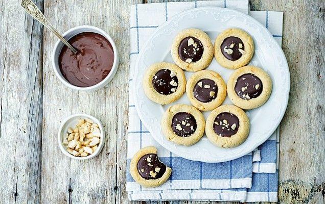 Μπισκότα βουτύρου με πραλίνα φουντουκιού - iCookGreek