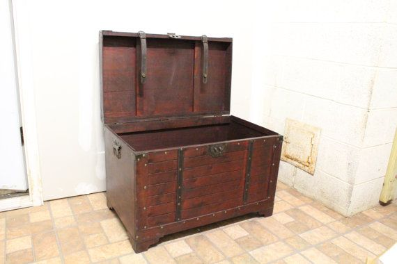 Antique Look Storage Trunk от OldArtView на Etsy