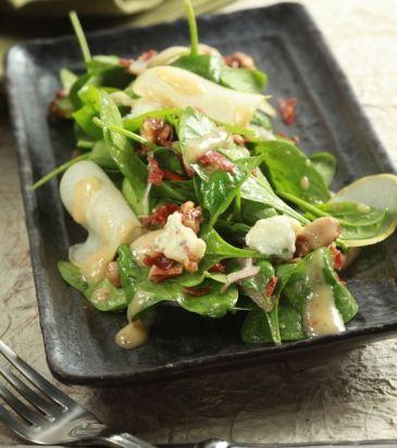 Σαλάτα με αχλάδι, καραμελωμένα καρύδια και γκοργκοτζόλα | Γιάννης Λουκάκος