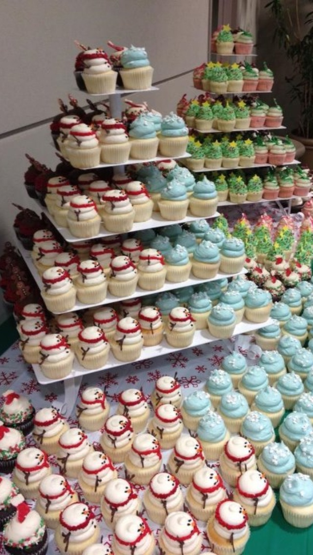 Awesome winter cupcake display from GiGi's Cupcakes at the woodlands