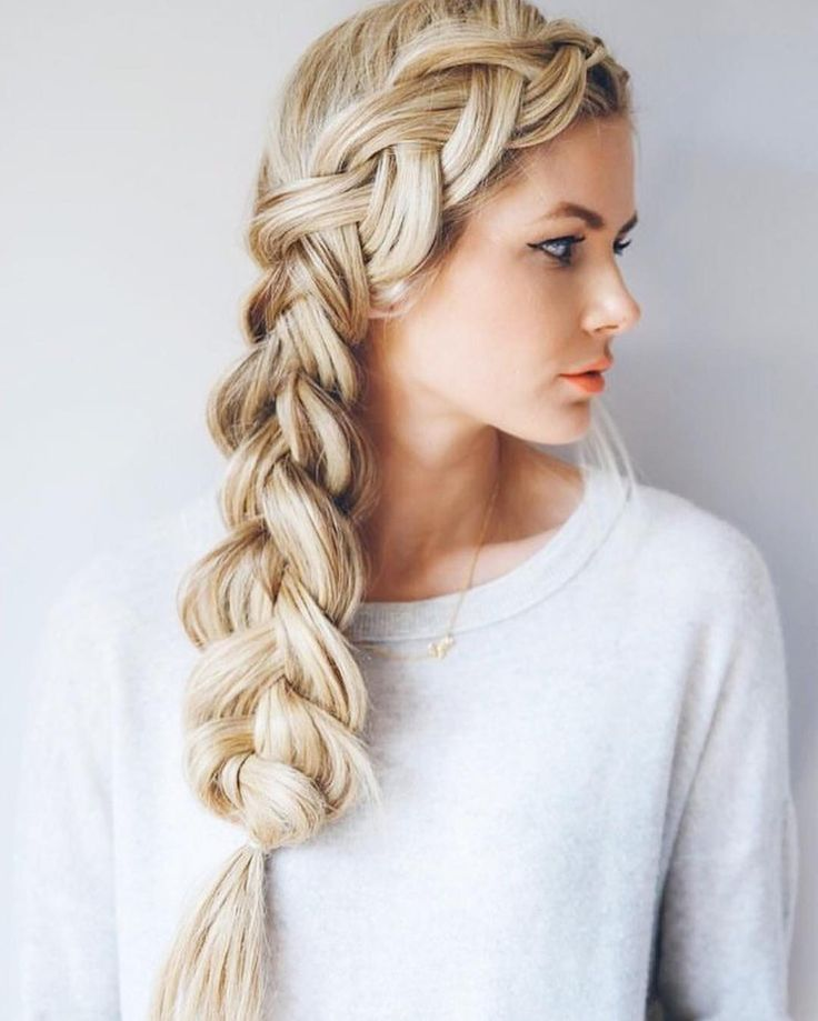 Inspo repost from @melbournehairblogger by @amberfillerup. This image has it all, long healthy hair, dimensional blonde and a beautiful braid ✨ #inspo #blonde #braid #healthyhair #olaplex #blogger