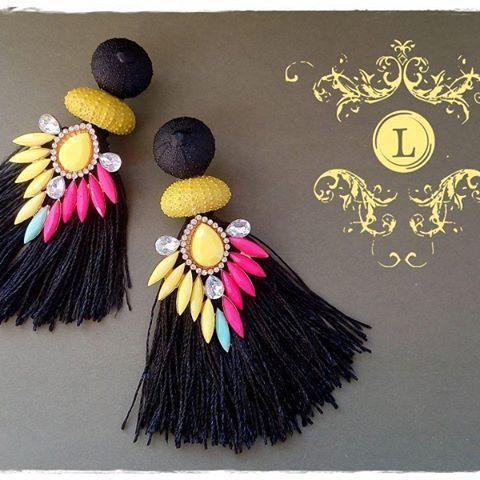How could you resist these fabulous sea urchin earrings, handmade by #lillubijoux? We certainly can't! Grab your pair here: https://lillu-bijoux.soldigo.com/cercei-cu-arici-de-mare-si-strasuri_45136 #seaurchin #statementearrings #makealivingdoingwhatyoulove #turnyourhobbyintoacareer #sellonlinewithsoldigo #easiestwaytosellonline
