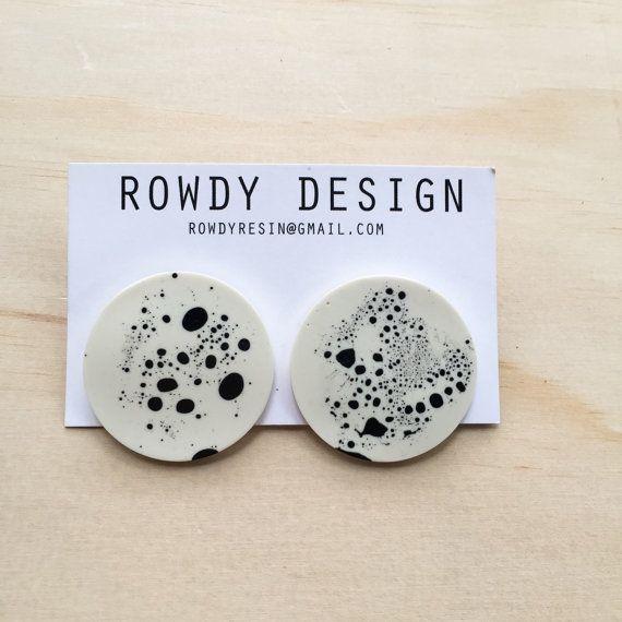 Speckle resin disc earrings by rowdy design