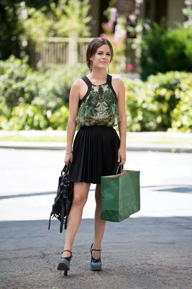 Zoe hart style and class love her