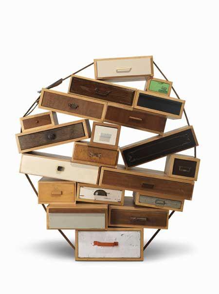 """Droog Design """"Chest of drawers"""" 1991 Commode constituée de tiroir empilés et sanglés."""