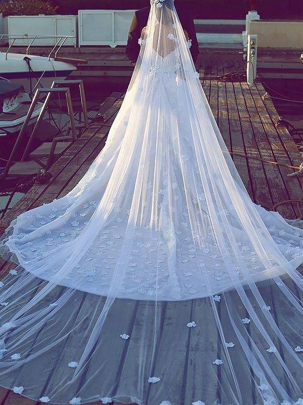 b09deff78896 Ball Gown Satin Chiffon V-neck Sleeveless Chapel Train Wedding Dresses