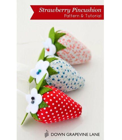 Free pattern: Strawberry pincushion