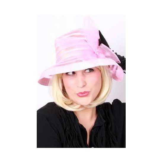 Roze dames hoed met strik. Roze nylon hoed met strik voor dames.