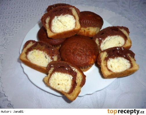 Muffiny s tvarohovo - kokosovým překvapením