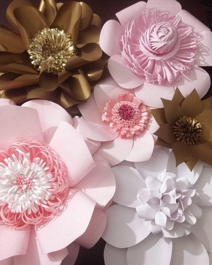 """183 Likes, 21 Comments - Dugorche Arte en papel (@dugorche) on Instagram: """"Hermosas flores #dugorche en tonos rosa, blanco y dorado...Juega con la combinación de colores y…"""""""