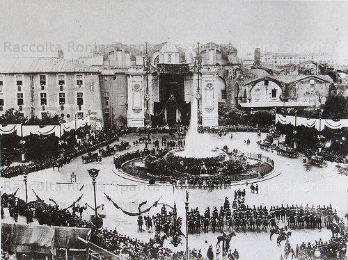 Piazza della Repubblica (ex Piazza Esedra). Nozze tra il Principe Vittorio Emanuele ed Elena del Montenegro, a Santa Maria degli Angeli Anno: 1896