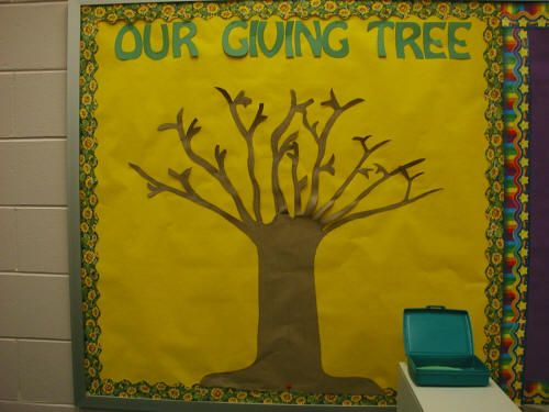 Students look for good deeds others are doing, write it on a leaf, post to tree. Share leaves at Morning Meeting.