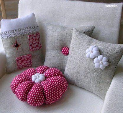 Decoracion con cojines de arpillera