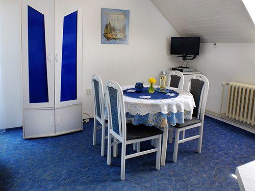 Apartmánový dům Železná Ruda - ubytování v podkroví pro 4-6 osoby s balkonem - 35m2