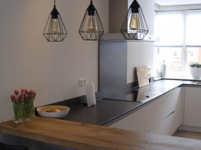Keuken met trendy lampen