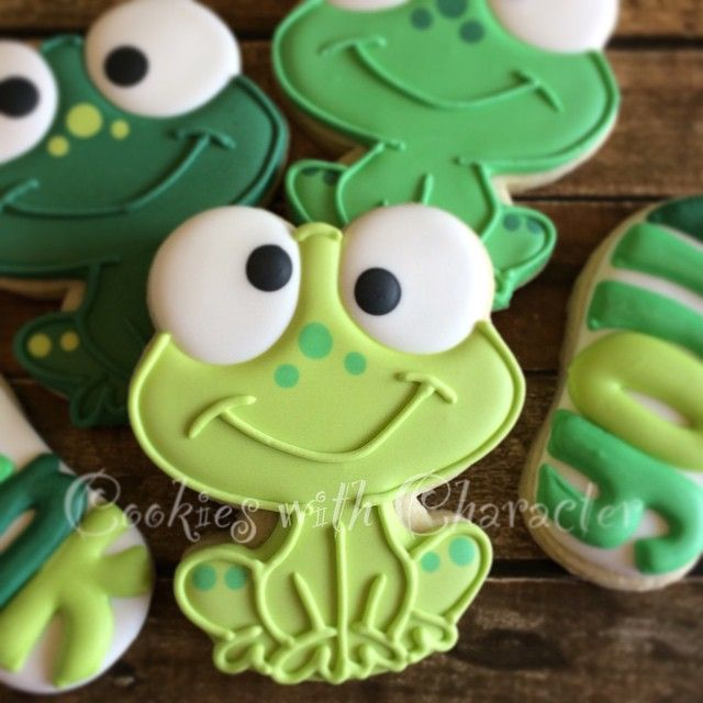 Frog Cookies // cookieswithcharacter