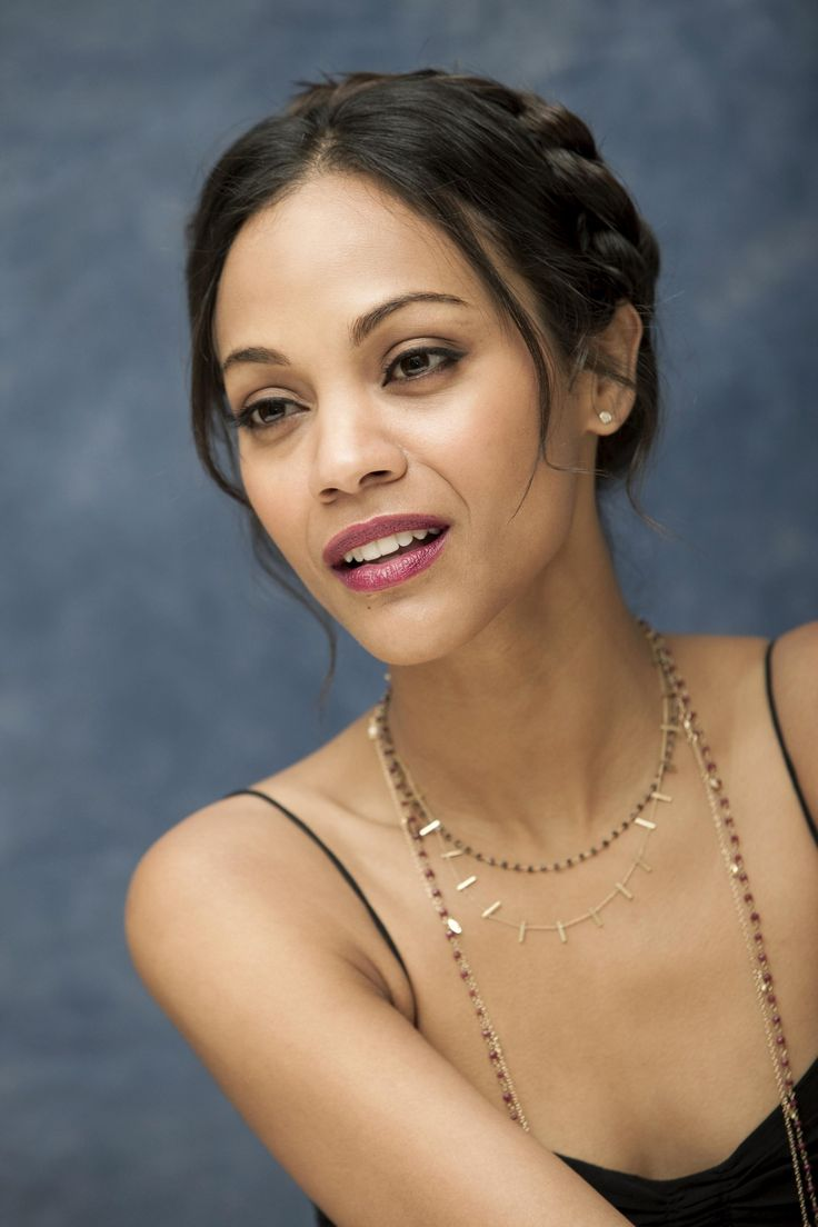 Zoe Saldana is rocking this braid! She is not only an intelligent feminist, but she always looks good doing it.