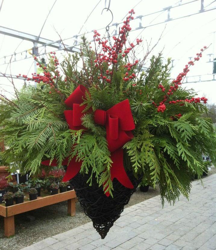 Best 25+ Outdoor Christmas Planters Ideas On Pinterest